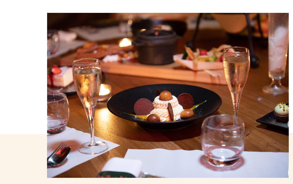 dessert gourmand et coupes de champagne au restaurant bâoli à cannes